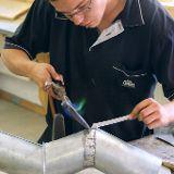 Lötarbeiten während der Metallausbildung