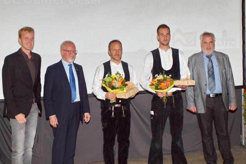 Jahrgangsbester Dachdeckermeister und Zimmerermeister